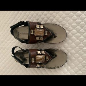 BCBG never worn platform sandals brown leather